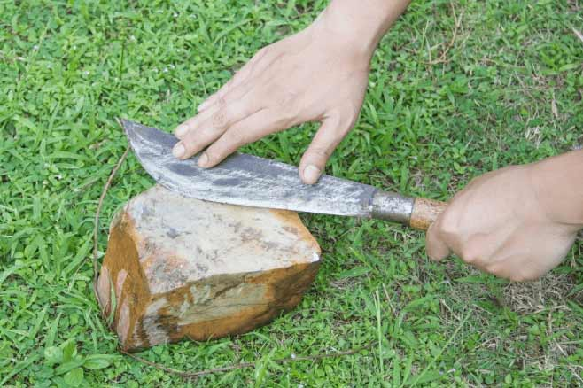 Sharpen a Knife with Concrete
